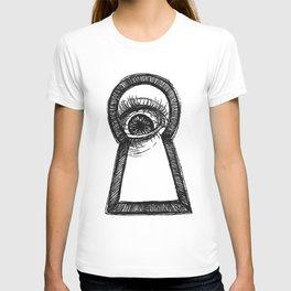 Peering T-shirt