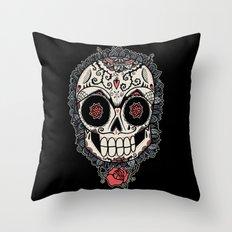Muerte Acecha Throw Pillow