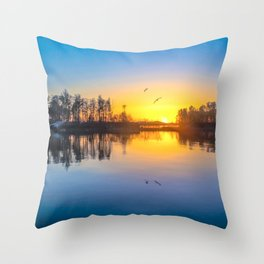 Soundtrack of silence Throw Pillow