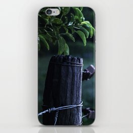 Domingo en el campo - Sunday at the countryside iPhone Skin