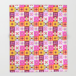 Maroccan tiles pattern with pink Throw Blanket