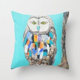 Imaginary owl Throw Pillow