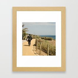 Homme grenouille Framed Art Print