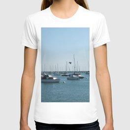 Chicago Sail Boats, Lake Michigan Shoreline T-shirt