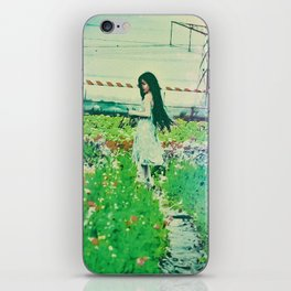 """A Flower Does Not Think Of Competing To The Flower Next To It. It Just Blooms"" iPhone Skin"
