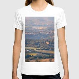 Italian countryside view T-shirt