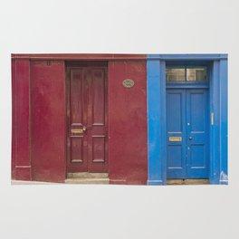Red or blue ?  Greyfriars Edinburgh Scotland city Rug