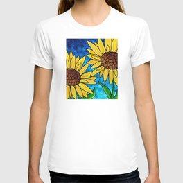 Garden Twins - Best friends...beautiful sunflowers by Labor of Love artist Sharon Cummings T-shirt