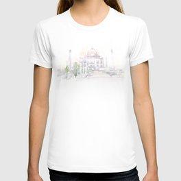 Watercolor landscape illustration_India - Taj Mahal T-shirt