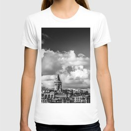 Istanbul: A Fusion of Black and White T-shirt