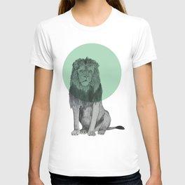 sitting lion T-shirt
