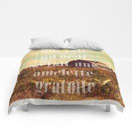 Qui vole un oeuf Comforters
