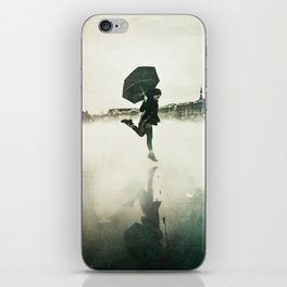 La danse de la pluie iPhone Skin