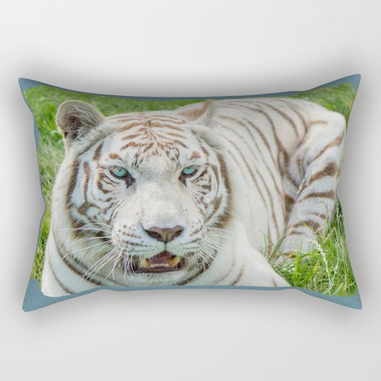 THE BEAUTY OF WHITE TIGERS Rectangular Pillow