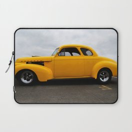 SUPER CHARGED YELLOW HOT ROD Laptop Sleeve