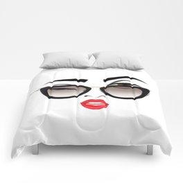 Wink eye, red lips Comforters