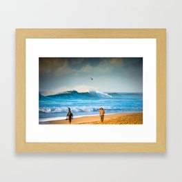 Pipeline waves rocking North Shore Oahu - Hawaii  Framed Art Print