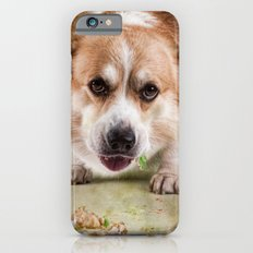 I have to hurry before she sees me.............. Slim Case iPhone 6s