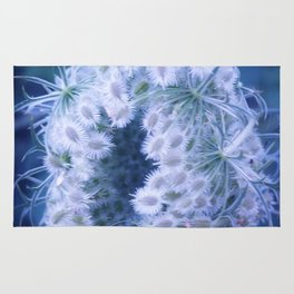 Light Blue Closing Queen Anne's Lace Rug