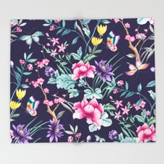 Chinoiserie french navy floral Throw Blanket