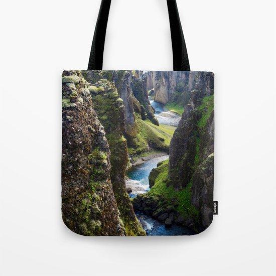 Icelandic Canyon by annamartin94