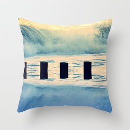 Surf breaker Throw Pillow