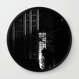 architecture immeuble noir blanc 4 Wall Clock