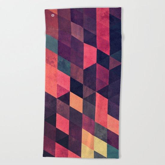 syngwwn syre Beach Towel