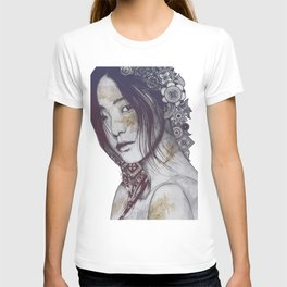 Stoic: Violet (japanese girl with mandalas) T-shirt