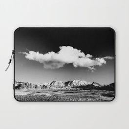 Black Sky Desert Landscape // Red Rock Canyon Las Vegas Nevada Mojave Mountain Range Laptop Sleeve