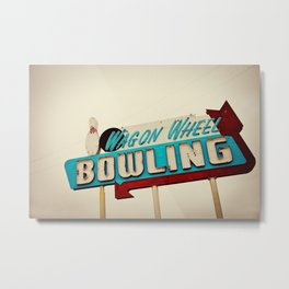 Wagon Wheel Bowling  Metal Print