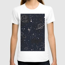 Pattern with stars and bright shiny stars on dark background T-shirt