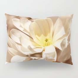 Delicate magnolia Pillow Sham