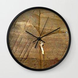 Ostra en el fondo del agua Wall Clock