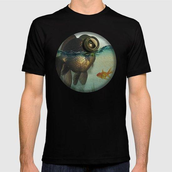 Fish eye lens T-shirt