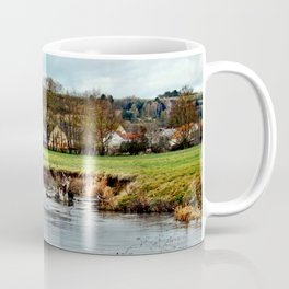 Dorf am Fluss Coffee Mug