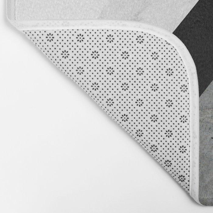 Arrows Monochrome Collage Badematte