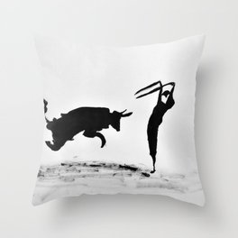 Bulls and bullfighters of Picasso II Throw Pillow