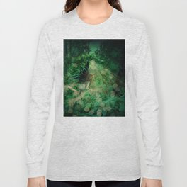 Abstract illustration of fairy fly in the forest Long Sleeve T-shirt