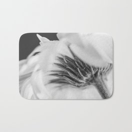 daisy - vanilla ice Bath Mat