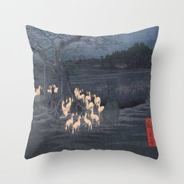 Utagawa Hiroshige - New Year's Eve Foxfires at the Changing Tree Throw Pillow