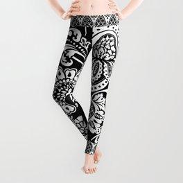 damask in white and black Leggings