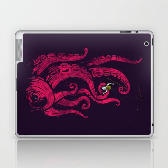 undersea attack (col. ver) Laptop & iPad Skin