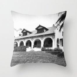 Santa Rosa Avenue, Altadena, California.1910 Throw Pillow
