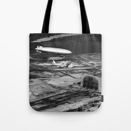 Zeppelin arrival over New Jersey Tote Bag