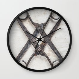 Scissoring Wall Clock