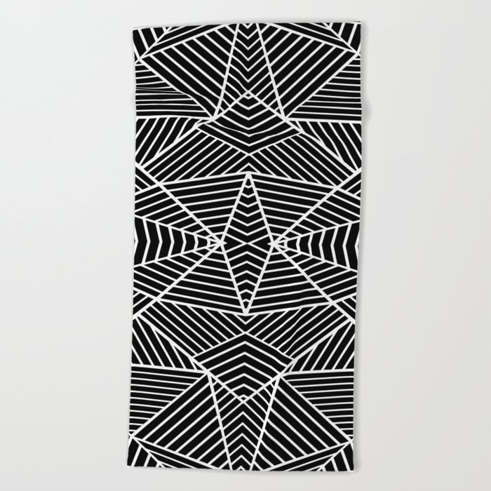Ab Zoom Mirror Black Beach Towel