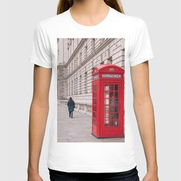 London Red Phone Booth Travel Photography Classic England Photo T-shirt