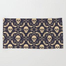 Happy halloween skull pattern Beach Towel