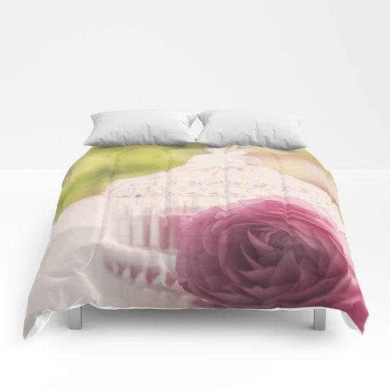 Princess like I Rose flower vintage stilllie Comforters